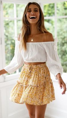 35 Spring Clothes For Ending Your Summer - Women Fashion Trends - Outfits for Summer - Modetrends Mode Outfits, Skirt Outfits, Dress Skirt, Fashion Outfits, Floral Outfits, Womens Fashion, Fashion Clothes, Fashion Fashion, Skirt Fashion
