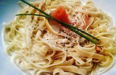 Tallarines de salmón y salsa de limón // Black Pimienta
