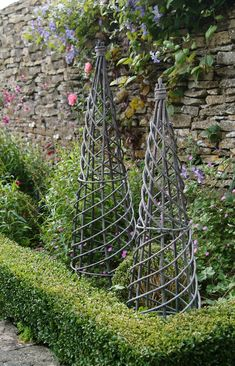 Set of 2 Willow Maypoles
