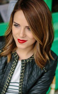 Julia Hengel Short Hair Love