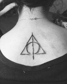 Death Hallow Harry Potter Tattoo On Back #harrypottertattoomeaning #harrypottertattoo