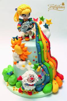 Cake: Regina Regenbogen / Created by Anina Herter / Tortenhaus (www.tortenhaus.ch) Voting Link: https://www.facebook.com/MassaTicinoCARMA/app_451684954848385 © Massa Ticino™ Sugarpaste