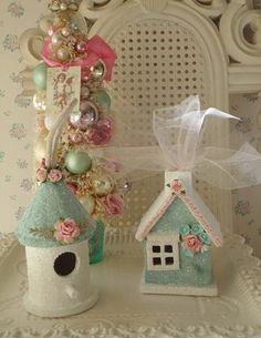 DIY::Birdhouse ornaments make bird houses into gingerbread glitter houses! I have an unpainted mini bird house. Shabby Chic Christmas, Victorian Christmas, Pink Christmas, Vintage Christmas, Xmas Ornaments, Christmas Decorations, House Ornaments, Birdhouse Craft, Christmas Villages