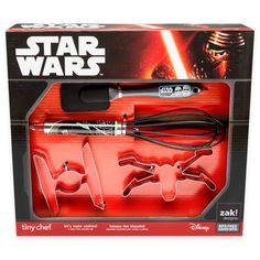 Star Wars cookie cutting set. Complete with 2 cookie cutters and a whisk! Must have!