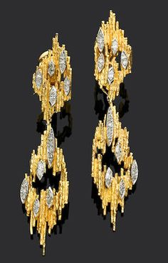 Bonhams Fine Art Auctioneers & Valuers: auctioneers of art, pictures, collectables and motor cars Contemporary Jewellery, Modern Jewelry, Vintage Jewelry, Fine Jewelry, Gold Link Bracelet, Link Bracelets, Pendant Earrings, Gold Earrings, Diamond Pendant