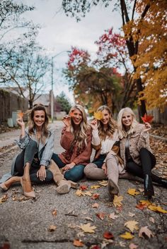 Cozy Fall Outfits from Walmart Fall Style Best Friends Shoot, Fall Friends, Cute Friends, Photoshoot Friends, Friends Photo Shoot, Friend Picture Poses, Cute Friend Poses, 4 Best Friends, Friends Shirts