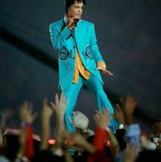 Prince at superbowl