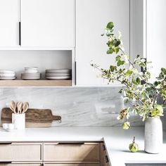 my favorite kitchen weve designed to date // Design by Modern Kitchen Cabinets date Design designed Favorite Kitchen laurennelsondesign weve Home Kitchens, Kitchen Design, Kitchen Inspirations, Kitchen Dining Room, Modern Kitchen, Cozy House, Home Decor Kitchen, Kitchen Interior, House Interior