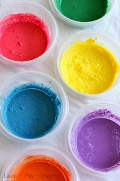 How to make crushed chalk paint - I love this two ingredient paint recipe!