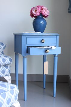 Side table painted in Chalk Paint® decorative paint in Greek Blue with gold leafing. Available at kalologystudio.com. #chalkpaint #morethanpaint #greekblue