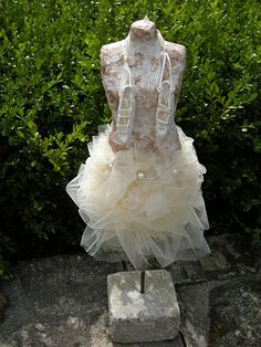 Kleine ballerina in Powertex (beelden)