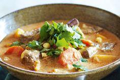 Slow-cooker massaman beef curry
