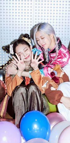 Yg Entertainment, South Korean Girls, Korean Girl Groups, K Pop, Blackpink Debut, Mode Kpop, Best Photo Poses, Jennie Kim Blackpink, Blackpink Video