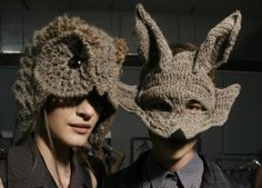 crochet inspiration: love, love, love the owl hat! Bonnet Crochet, Crochet Mask, Knit Crochet, Crochet Animal Hats, Knitted Hats, Art Au Crochet, Crochet Winter Hats, Warm Winter Hats, Winter Caps