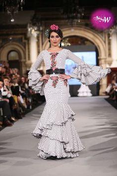 es - We Love Flamenco - El Ajolí Spanish Dress Flamenco, Flamenco Dresses, Ruffle Dress, Peplum Dress, Flamenco Costume, Spanish Fashion, Trumpet Skirt, Edwardian Dress, Fishtail