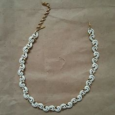 """Original Monet Choker / Necklace Vintage 17"""" long. Gorgeous cream and gold choker / necklace. In near perfect condition. Monet Jewelry Necklaces"""