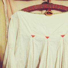 #ShareIG うしろ。 の刺繍も ぬかりなく。 ヤバカワ〜