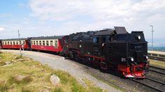 https://flic.kr/p/gP1dbX   Brockenbahn   Die Brockenbahn ist eine hauptsächlich touristisch genutzte, meterspurige Schmalspurbahn der Harzer Schmalspurbahnen (HSB). Sie führt von Drei Annen Hohne an der Harzquerbahn über Schierke zum Brocken.  The Brocken Railway (German: Brockenbahn) is one of three tourist metre gauge railways which together with the Harz Railway and Selke Valley Railway form the Harz Narrow Gauge Railways railway network in the Harz mountain range of Germany. It runs…
