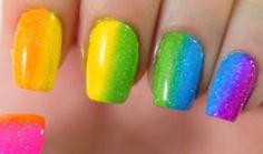 Super barevná manikúra je ideální na každou párty - Evropa 2