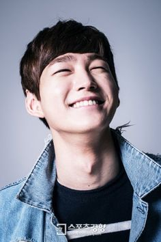 Cheer Up's Lee Won Geun--the eye smile is strong in this one!