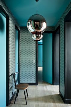 16 Calming Entrance Hall Color Ideas : 16 Calming Entrance Hall Color Ideas Picking the right color for your house is important. If you want people to feel welcomed as they first walk inside, try these calming entrance hall color ideas. House Design, Interior And Exterior, Colorful Interiors, Interior, Blue Rooms, Hall Colour, Foyer Decorating, House Interior, Interior Design