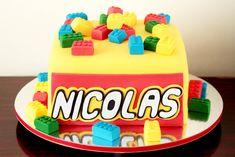 60+ Ideias Criativas de Bolo Lego para se Inspirar #BoloLego #Bolo #Lego #BoloDecorado #FestaLego #LegoCake Bolo Lego, Lego Cake, Birthday Cake, Desserts, Food, Design, Cake Ideas, Diy Home, Decorating Cakes