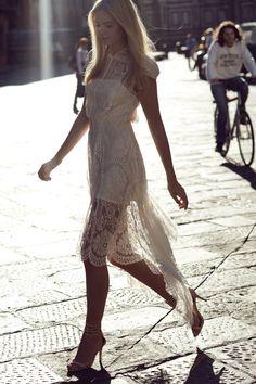 white lace dress: stunning!