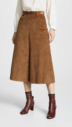 See By Chloe - Cropped Wide Leg Pants - Exercises Workout For Wider Hips, Skirt Outfits, Casual Outfits, Outfit Vestidos, Fashion Silhouette, Wide Leg Cropped Pants, Cute Skirts, Long Skirts, Shorts