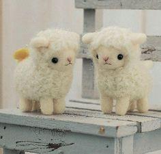 *NEEDLE FELT ART? ~ Lambs