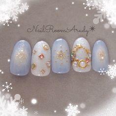 リースネイル* #チーク #オフィス #デート #冬 #クリスマス #雪の結晶 #ブルー #リボン #ジェルネイル #ホワイト #ワンカラー #ハンド #サンプルチップ #NailRoomArudy #ネイルブック