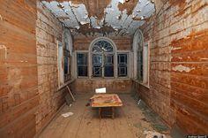 Verlaten Russische houten huizen - Froot.nl