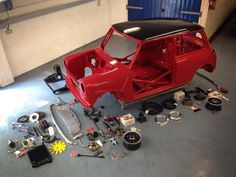 get building Mini Classic Mini, Mini Cooper Classic, Classic Cars, Cafe Racer Girl, Audi Rs, Vespa, Red Mini Cooper, Mini Morris, Mini Copper