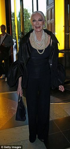 At 83-years-old, model Carmen Dell'Orefice looked radiant with an abundance of pearls draped around her neck