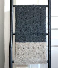godt for miljøet Archives - susanne-gustafsson. Knitted Shawls, Knitted Bags, Crochet Scarves, Knitting Scarves, Knit Patterns, Cool Patterns, Big Knit Blanket, Jumbo Yarn, Big Knits