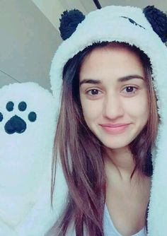 Here Are The 7 Lesser Known Facts about Disha Patani Disha Patani is an Indian film actress and model who appears in M. Indian Film Actress, Beautiful Indian Actress, Beautiful Actresses, Indian Actresses, Cute Girl Pic, Stylish Girl Pic, Cute Girls, Pretty Girls, Bollywood Celebrities