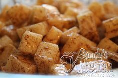 Baked Cinnamon Jicama (Apples) - 2 greens, condiments, 1 healthy fat Just in time for Fall! Something about the smell of cinnamon and baked apples cooking in the oven during the Fall season brings back s. Medifast Recipes, Healthy Recipes, Healthy Fats, Low Carb Recipes, Healthy Snacks, Healthy Eating, Cooking Recipes, Protein Recipes, Clean Eating