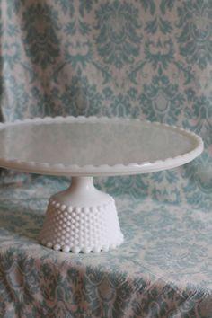 Milk Glass Cake Stand / Vintage Cake Pedestal Cake Plate Cake Dish Cake Platter Pedestal for Custom Wedding Cakes / Cupcake Stand