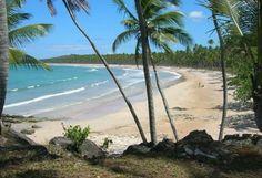 Bordear caminando la costa de la Isla de Tinhare hasta la vecina Boipeba, Bahia, Brasil