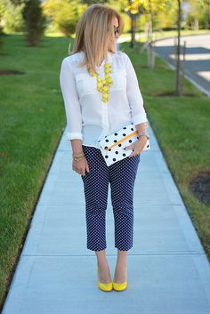 spring fashion outfits, polka dot pants и fashion Spring Fashion Outfits, Work Fashion, Yellow Shoes Outfit, Polka Dot Pants, Polka Dots, Mix And Match Fashion, Look Office, Yellow Pumps, Casual Outfits