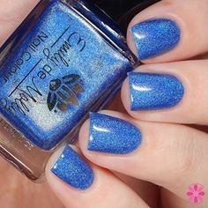 @emilydemolly Perfect Oasis is a stunning new holographic now available in the @color4nails shop  #prsample #emilydemolly #color4nails #holographic #blue
