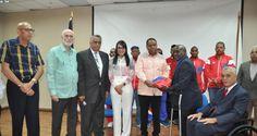 Atleta de Villa Consuelo recibe bandera para Juegos Paralímpicos en Río
