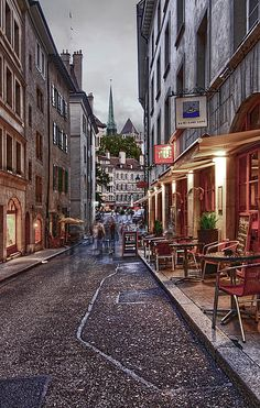 ✮ Geneva Street At Night - France < um previous pinner Geneva just happens to be in Switzerland... They do speak french though, if that's what you meant.