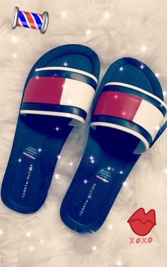 TOMMY GIRL❤️ Heeled Boots, Shoe Boots, Cute Slides, Pyjamas, Baskets, Shoes Sneakers, Shoes Heels, Tee T Shirt, Tommy Hilfiger Damen