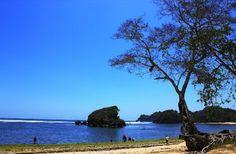 PERGIPEDIA  - Berlibur Ke Pantai Kondang Merak Yang Fenomenal Di Malang Selatan .Pantai Kondang ...