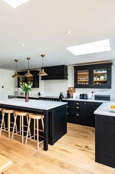 Kitchen Room Design, Modern Kitchen Design, Home Decor Kitchen, Interior Design Kitchen, Open Plan Kitchen Dining Living, Living Room Kitchen, Black Kitchens, Home Kitchens, Modern Kitchens