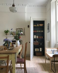 Monday Inspiration: Beautiful Rooms - Mad About The House Küchen Design, House Design, Country Look, Mad About The House, Home Decor Inspiration, Monday Inspiration, Kitchen Inspiration, Decoration Table, Interiores Design