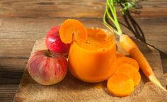 15 receitas de suco de cenoura que beneficiam sua saúde e beleza Sumo Natural, Bebidas Detox, Pasta, Smoothies, Salads, Food And Drink, Low Carb, Pudding, Vegetables