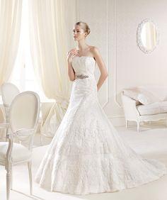 O rochie de mireasă care întruchipează perfect eleganţa dezirabilă pentru ziua cea mare: http://www.cristalmariage.ro/colectia-2014/la-sposa/colectia/inneca