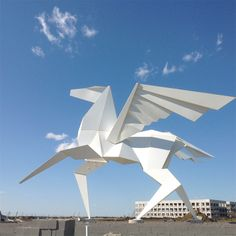 15 Giant Origami Installations That Will Amaze You -- Hero's Horse Monument by Kevin Box Studio. The mythological pegasus has always been an inspiration for many. Installed in 2014, this white pegasus origami structure is an amazing 21 feet tall.