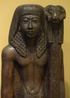 Estatua de la tumba de Khaemtore.  Ubicación ac tual: OMR de Leiden.  Procedencia: Tebas (Deir el-Medina)  Fecha: 1255-1214 A.C.). Dinastía XIX.